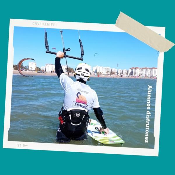 alumno-curso-kitesurf-valdelagrana